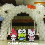 Hello Kitty Arch with Standees