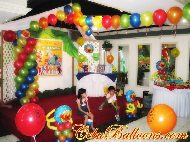 Elmo Balloon Decoration at Metro Park Hotel