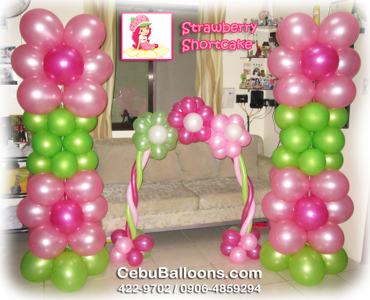 Fondant Cake Ball Design : Pillar & Cake Arch - Strawberry Shortcake Cebu Balloons ...