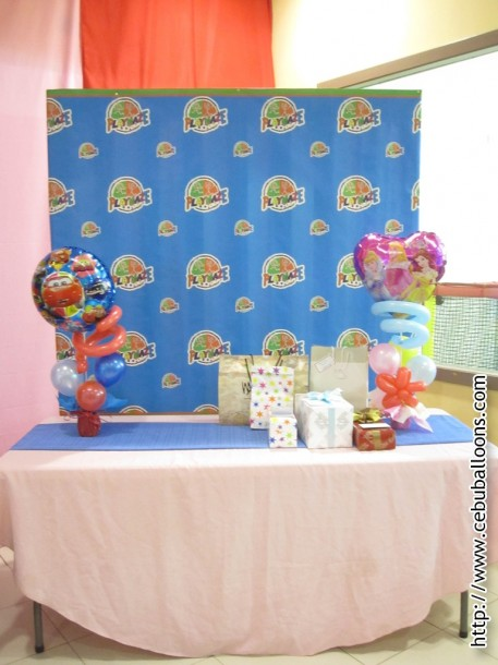 Gifts Table with Centerpieces