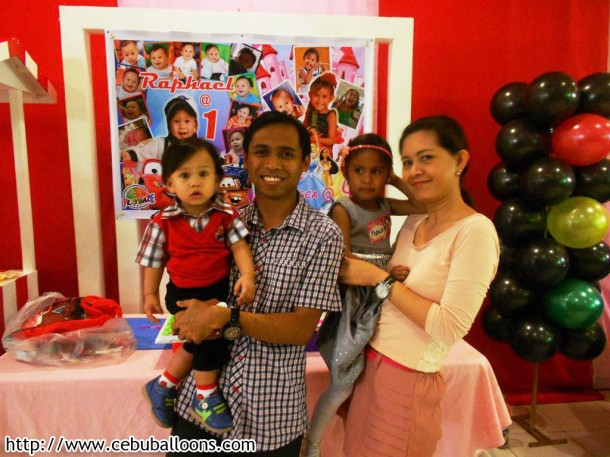 Son Rafael, Daddy Mark, Daughter Francesca, Mommy Juvy