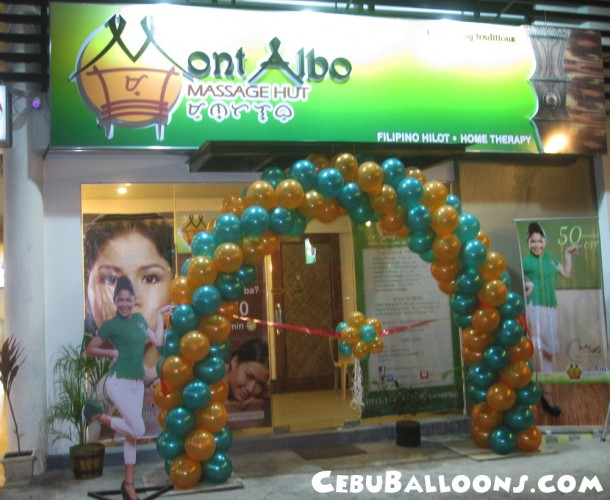 Balloon Entrance Arch with Topiary at Mont Albo Cebu