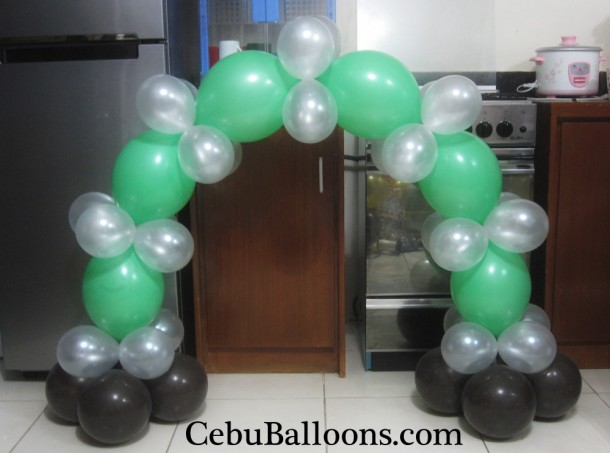 Basic Cake Arch Design used for a Soccer Theme Birthday