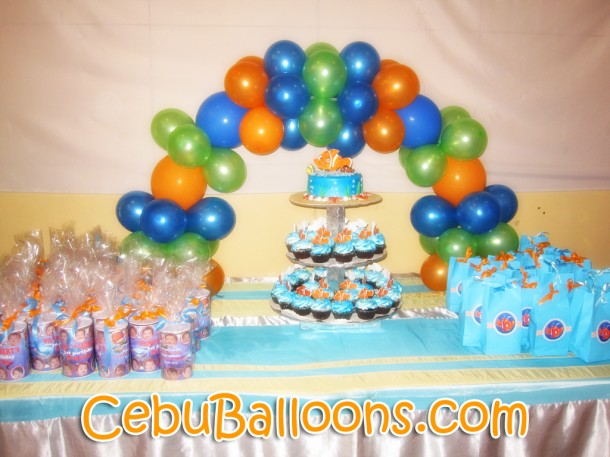 Cake Arch (Finding Nemo)