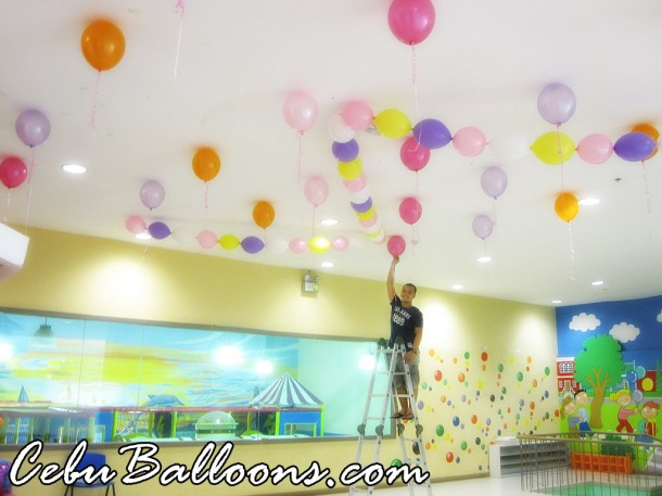 Ceiling Balloons at Play Maze Park Mall