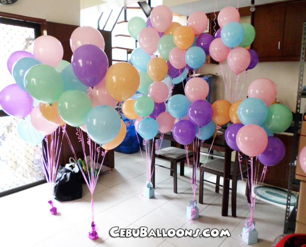 Flying Balloons Centerpieces for a Girl's Disney Up Theme