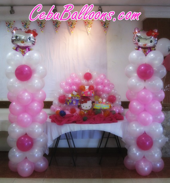 Hello Kitty Columns and Cake Arch