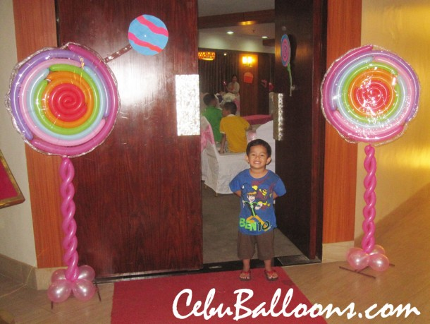 Lollipop Columns at Goldberry Suites