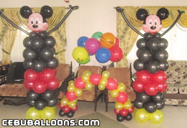 Mickey Mouse Sculptures, Cake Arch & Flying Balloons at Consolacion