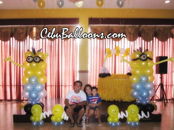 Minions Balloon Decoration Package at Hannah's Party Place