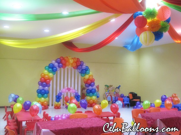 Rainbow Arch Balloons at Playmaze Park Mall