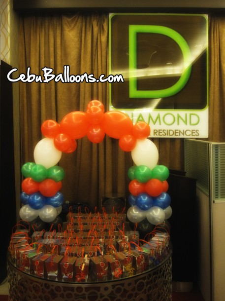 Table-top Arch at Diamond Suites and Residences