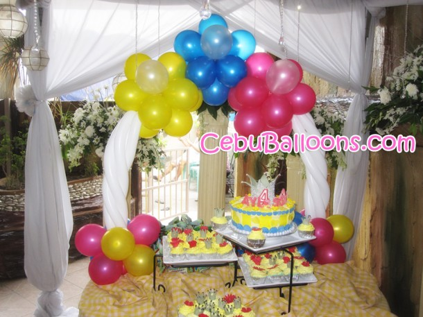Table-top Cake Arch (Snow White)