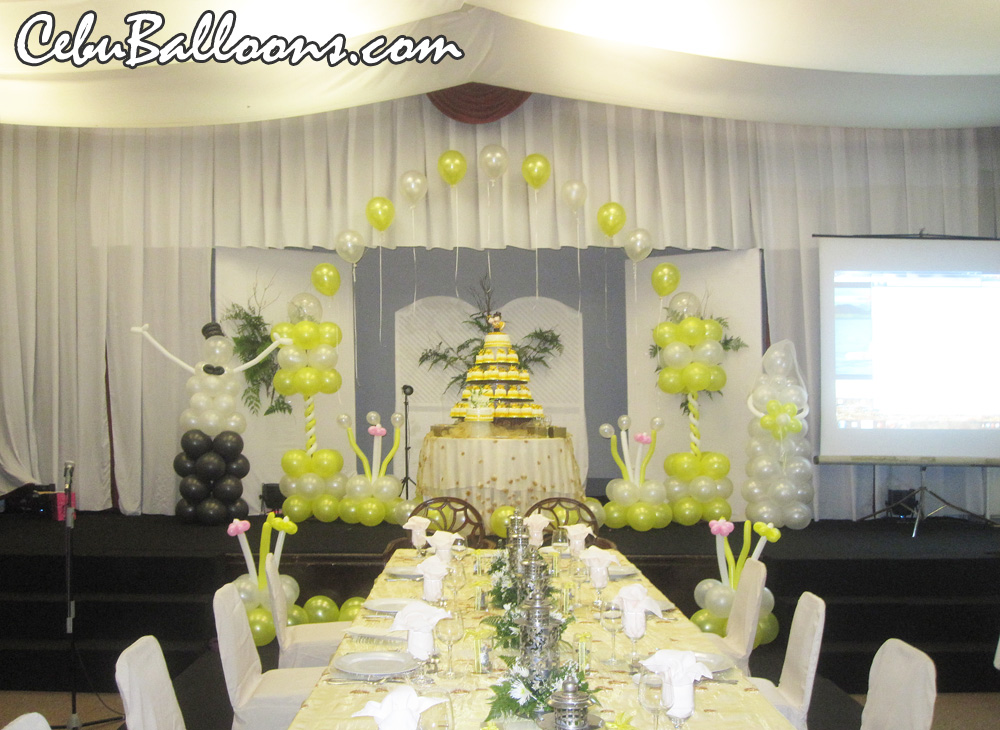 Wedding cebu balloons and party supplies wedding decoration arch columns ground at montebello villa hotel junglespirit Choice Image