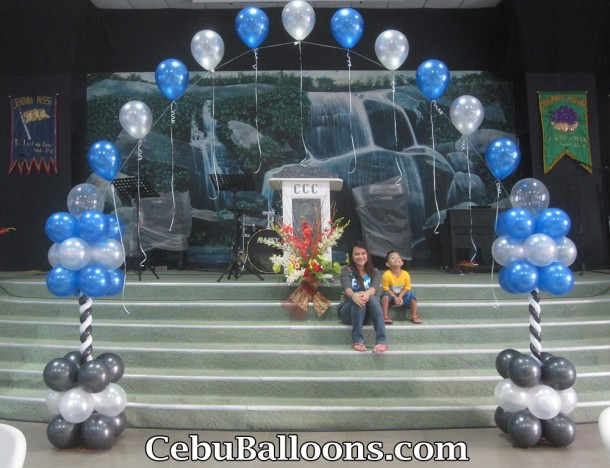 Balloon Arch at Nissi Academy