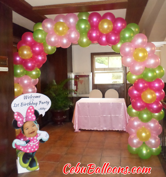 Flower Design Balloon Arch with Welcome Standee at Casino Espanol